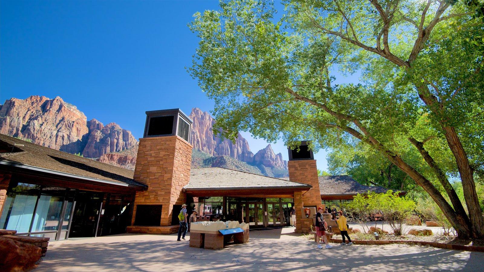 Parque Nacional Zion mostrando montañas
