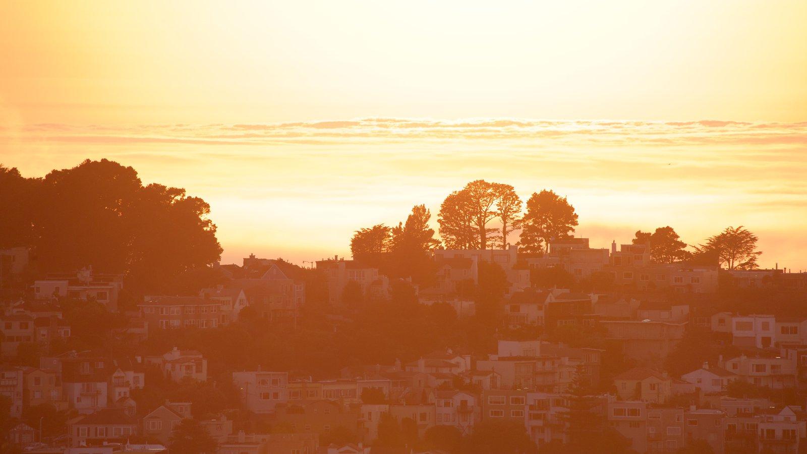 Twin Peaks caracterizando um pôr do sol