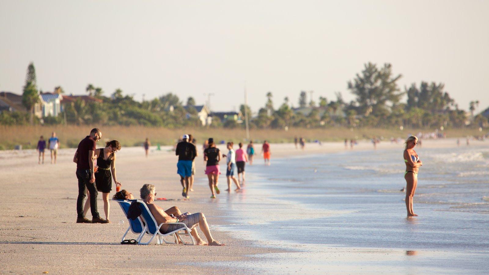 St. Petersburg showing a sandy beach