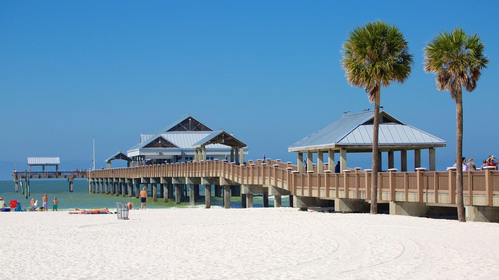 Clearwater Beach showing a sandy beach