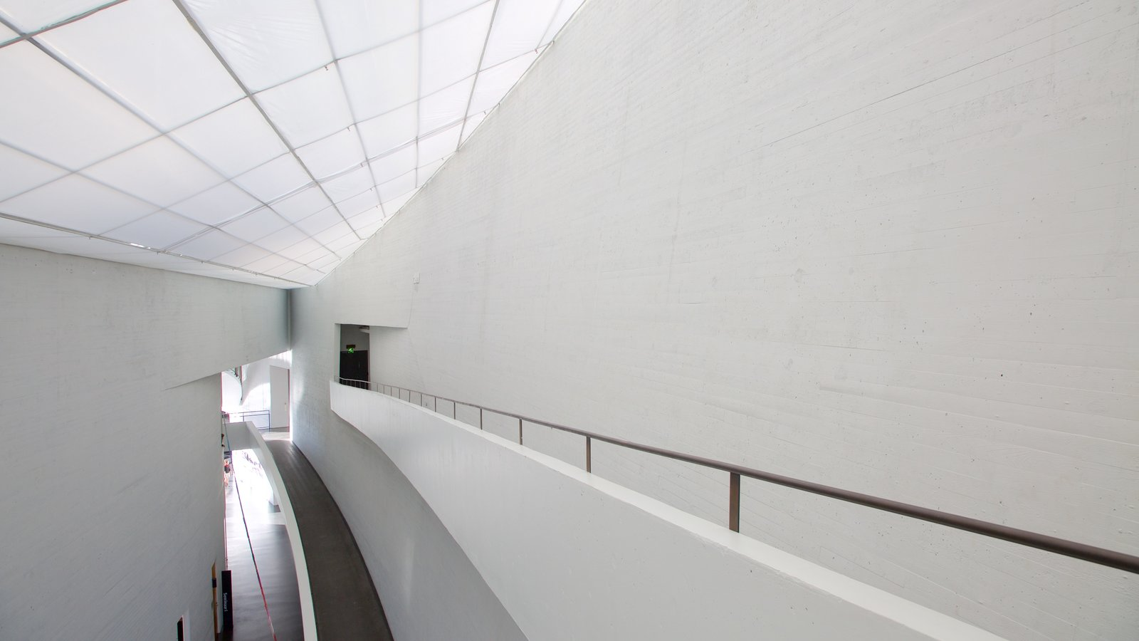 Modern Architecture Pictures: View Images of Kiasma Museum of ...