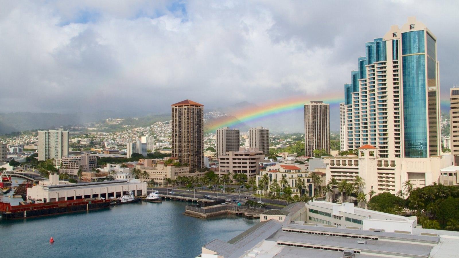 Honolulu que inclui uma cidade, linha do horizonte e arquitetura moderna