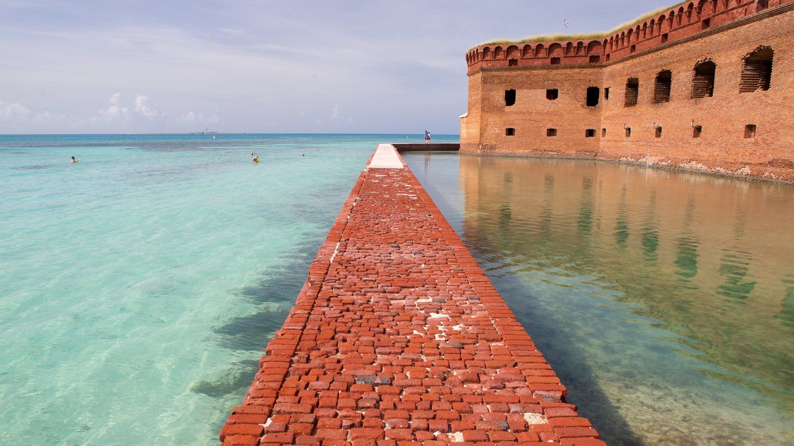 Dry Tortugas National Park featuring heritage architecture and general coastal views