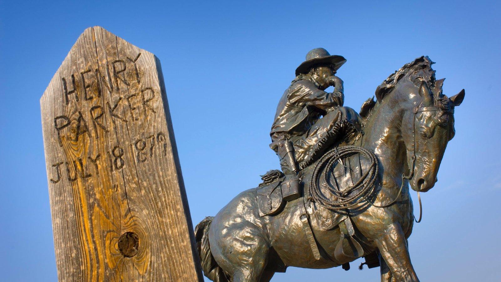 Ogallala mostrando um monumento e uma estátua ou escultura