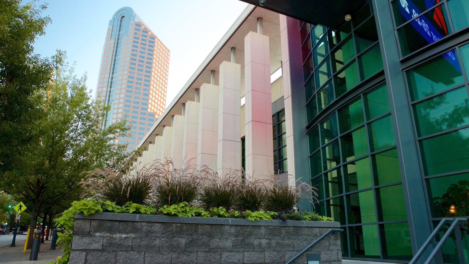 Charlotte Convention Center mostrando arquitetura moderna