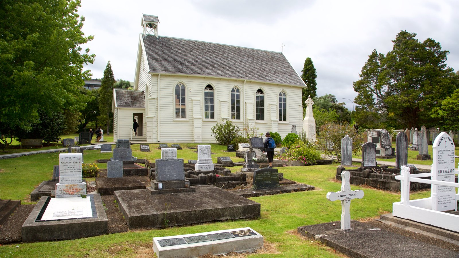 Russell Christ Church which includes a cemetery and a church or cathedral