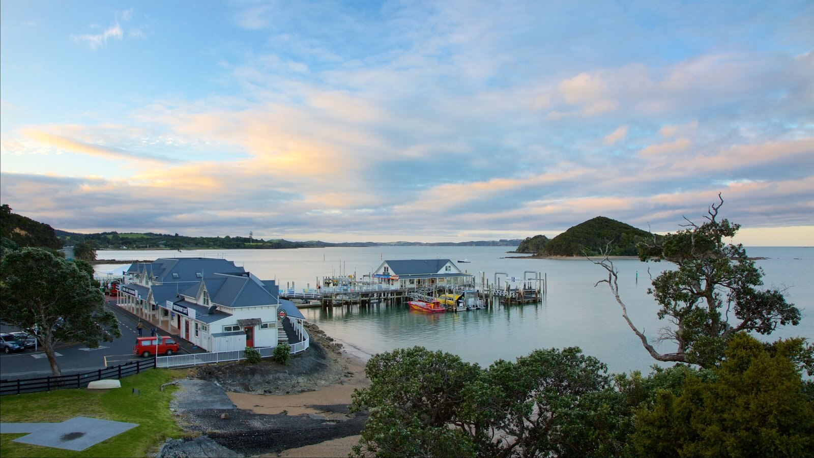 Paihia Wharf showing island views and a bay or harbor