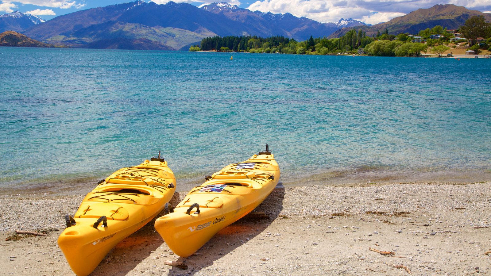 Lake Wanaka which includes mountains, kayaking or canoeing and a lake or waterhole