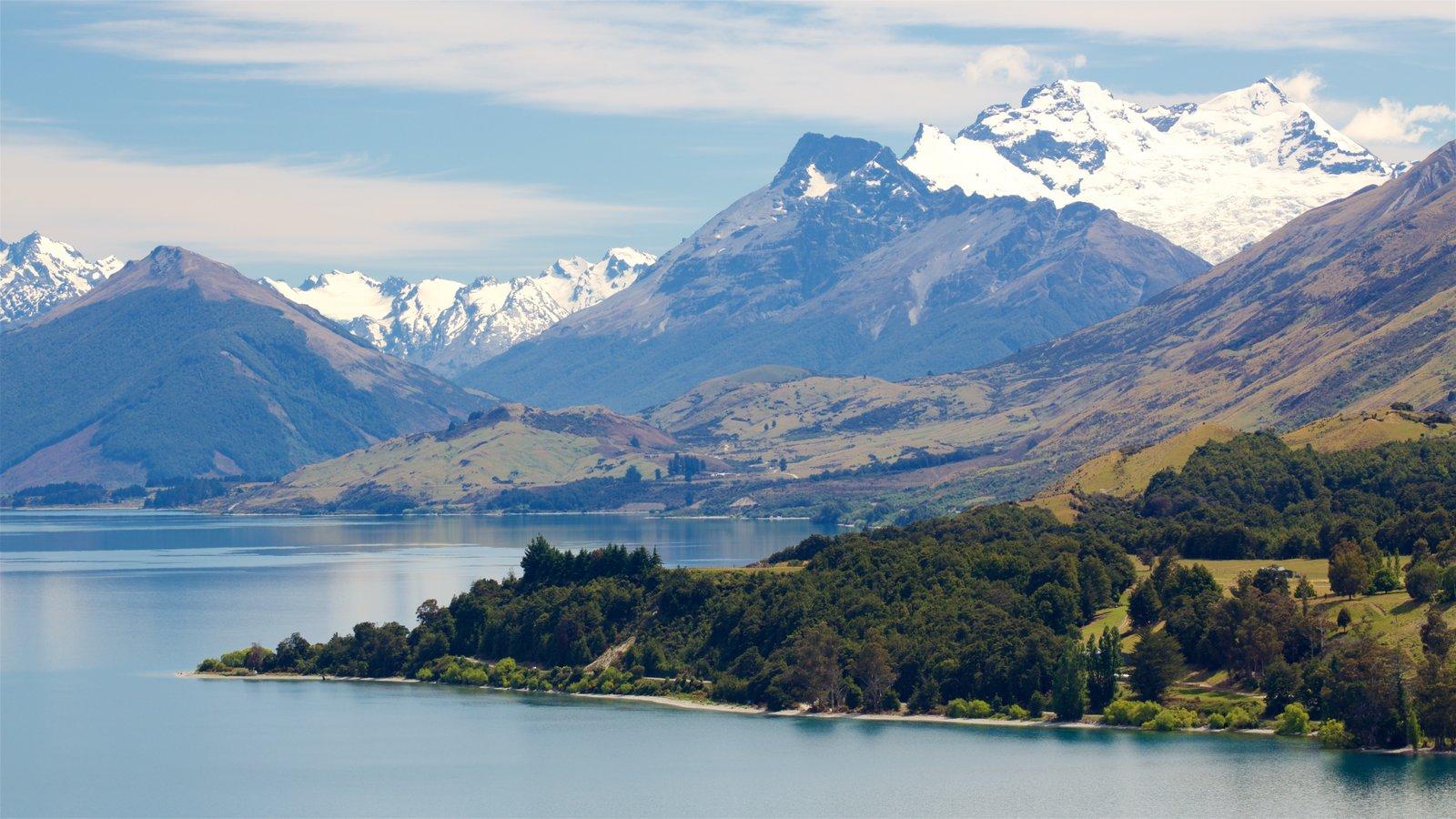 Lake Wakatipu showing mountains, snow and a lake or waterhole