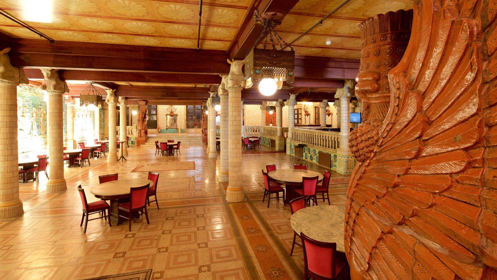 Teatro Municipal que inclui vistas internas e elementos de patrimônio