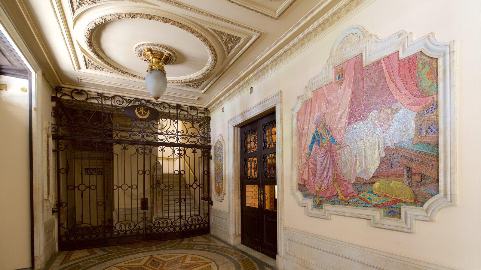 Teatro Municipal mostrando elementos de patrimônio, arte e vistas internas