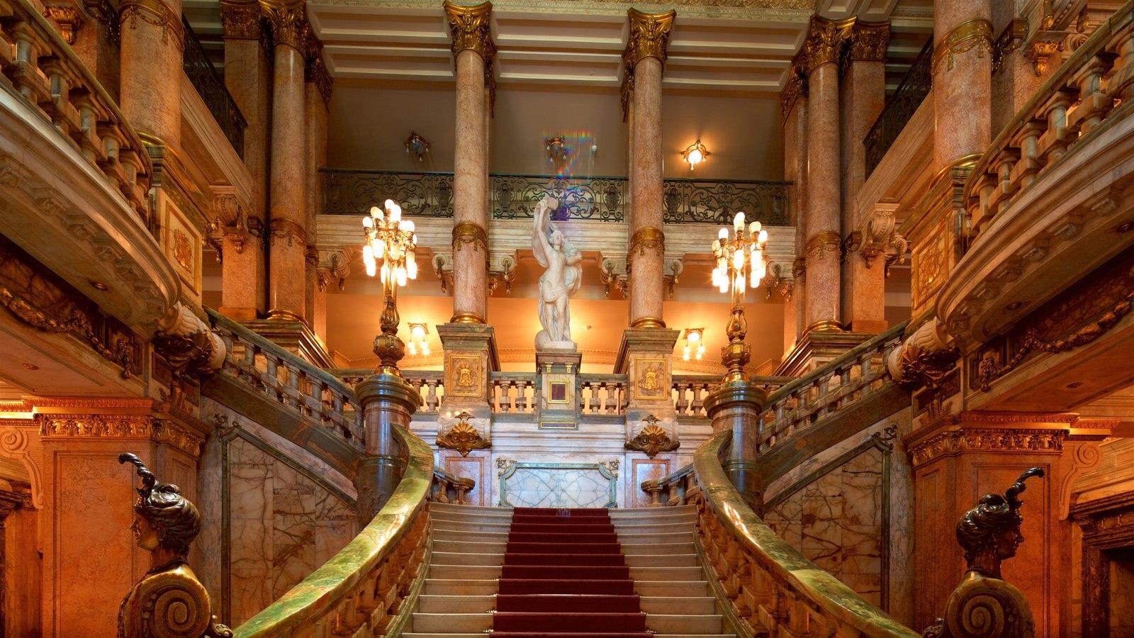 Teatro Municipal caracterizando elementos de patrimônio e vistas internas