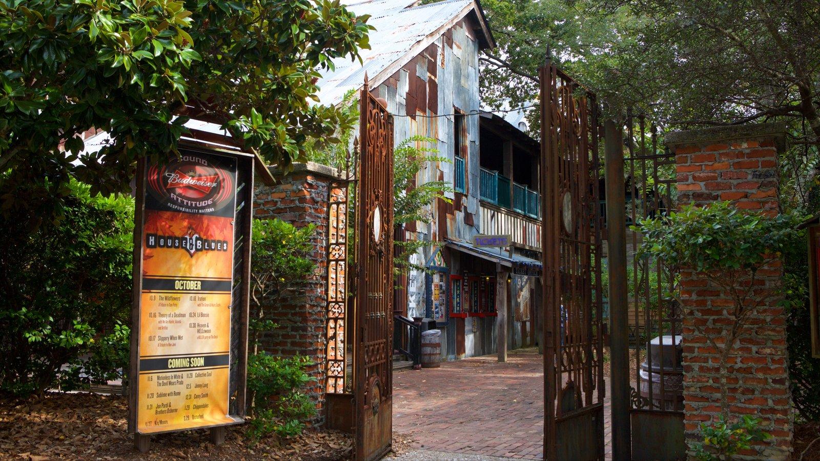House of Blues Myrtle Beach que inclui sinalização e elementos de patrimônio