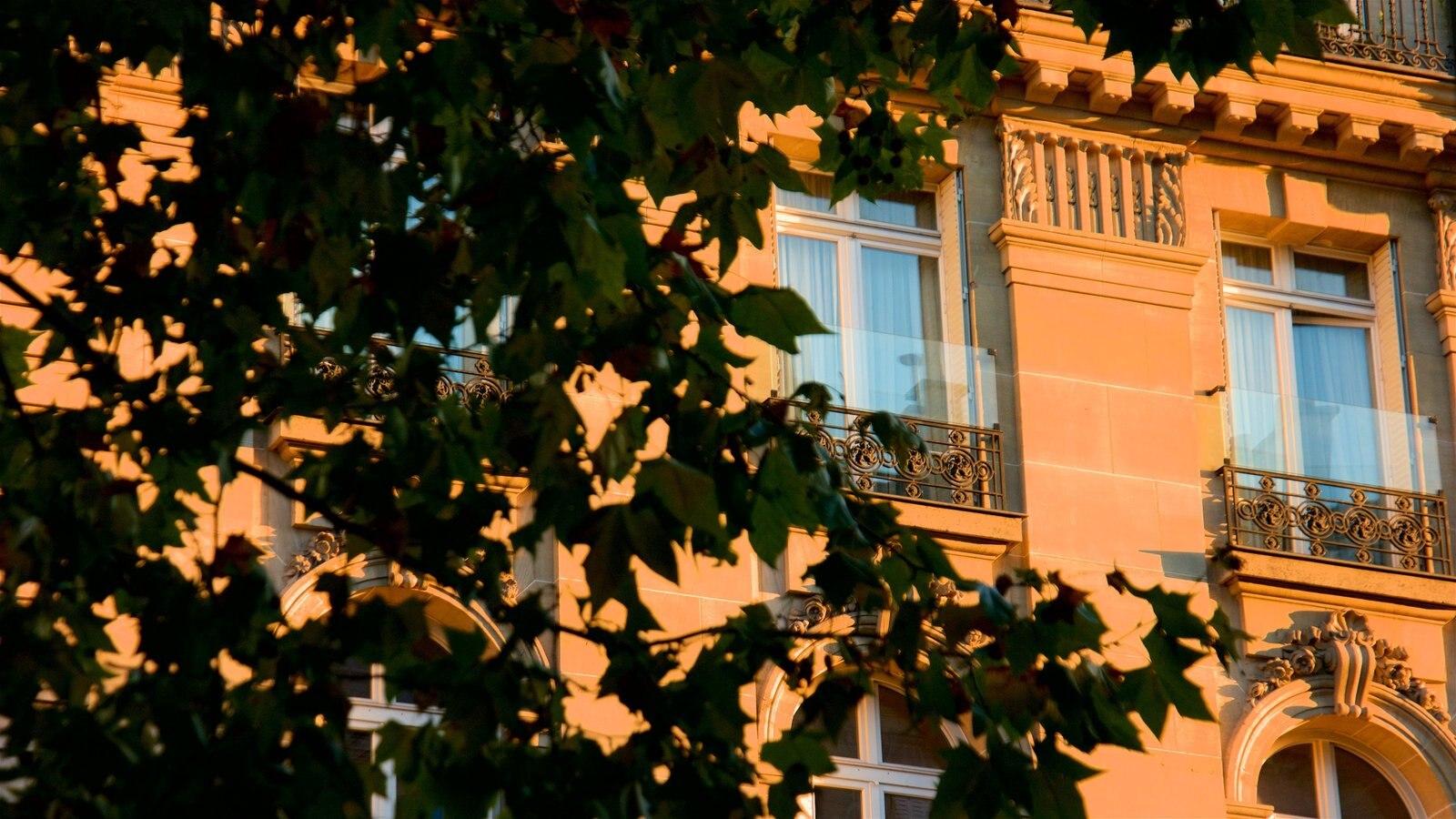 7º Arrondissement mostrando um hotel