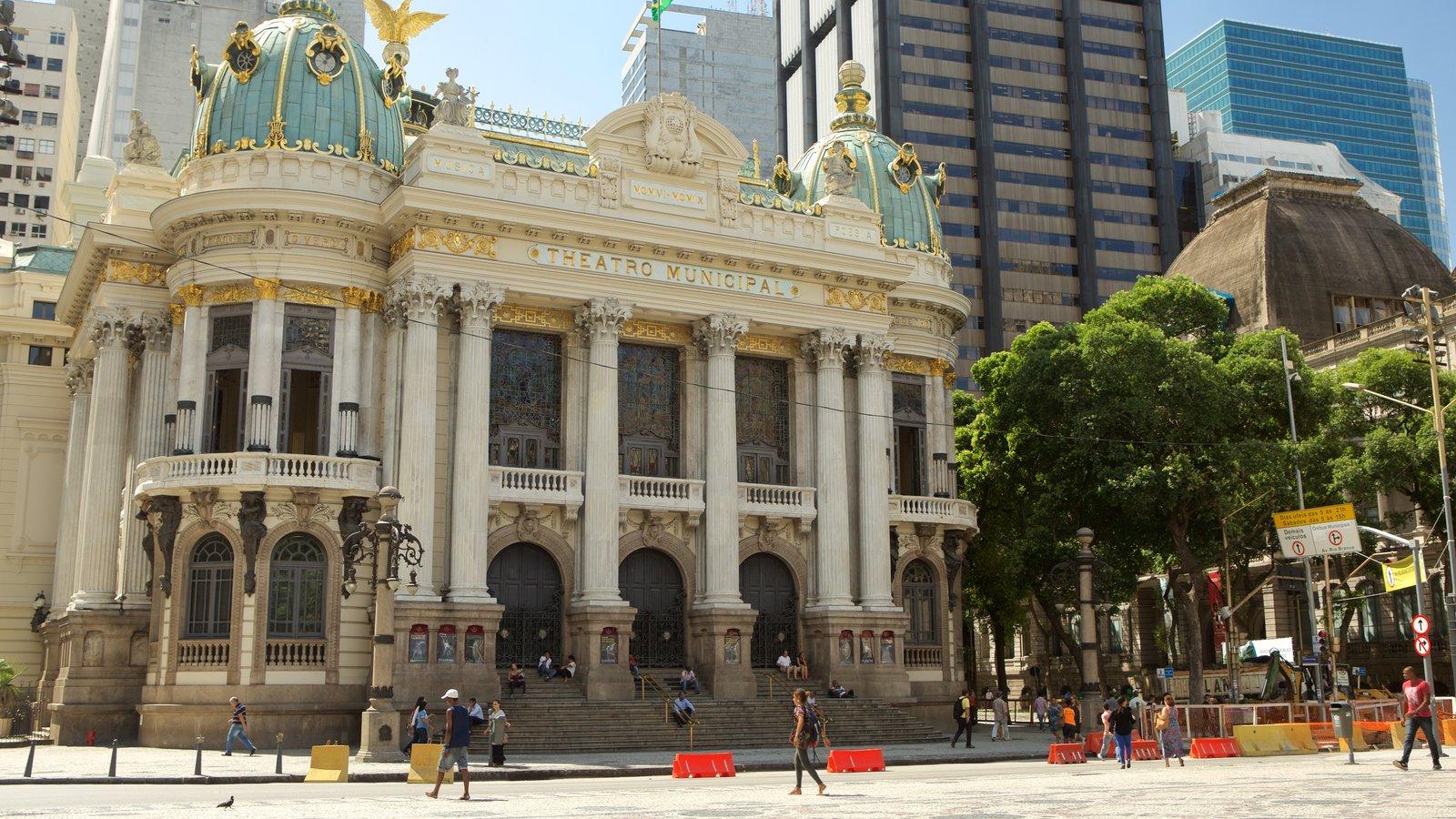 Teatro Municipal que inclui cenas de teatro, cenas de rua e elementos de patrimônio