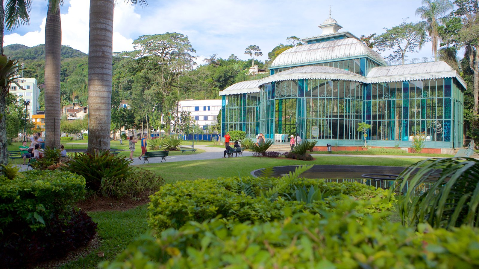 Palácio de Cristal caracterizando um parque
