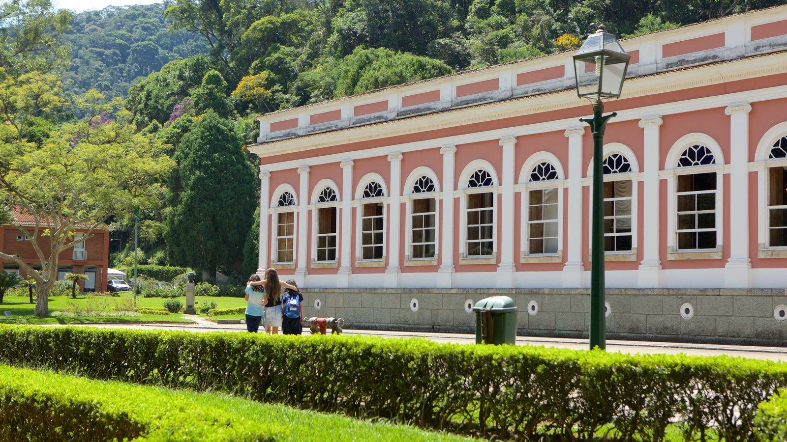 Museu Imperial que inclui cenas de rua