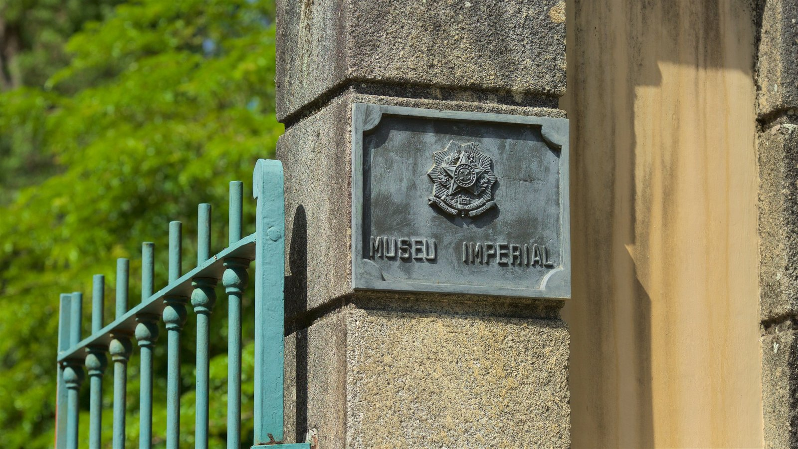 Museu Imperial que inclui sinalização