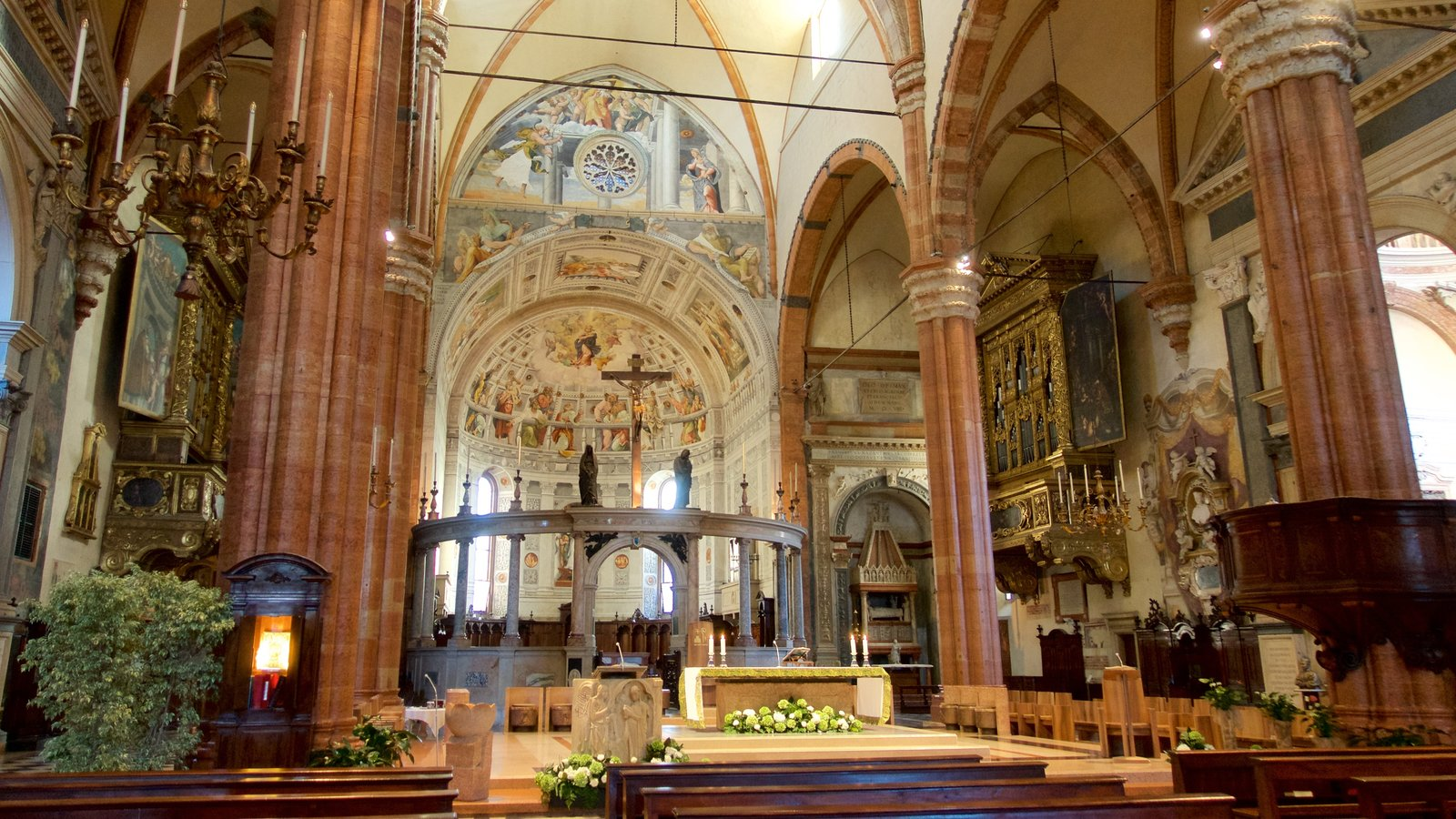 Verona featuring heritage architecture, a church or cathedral and interior views