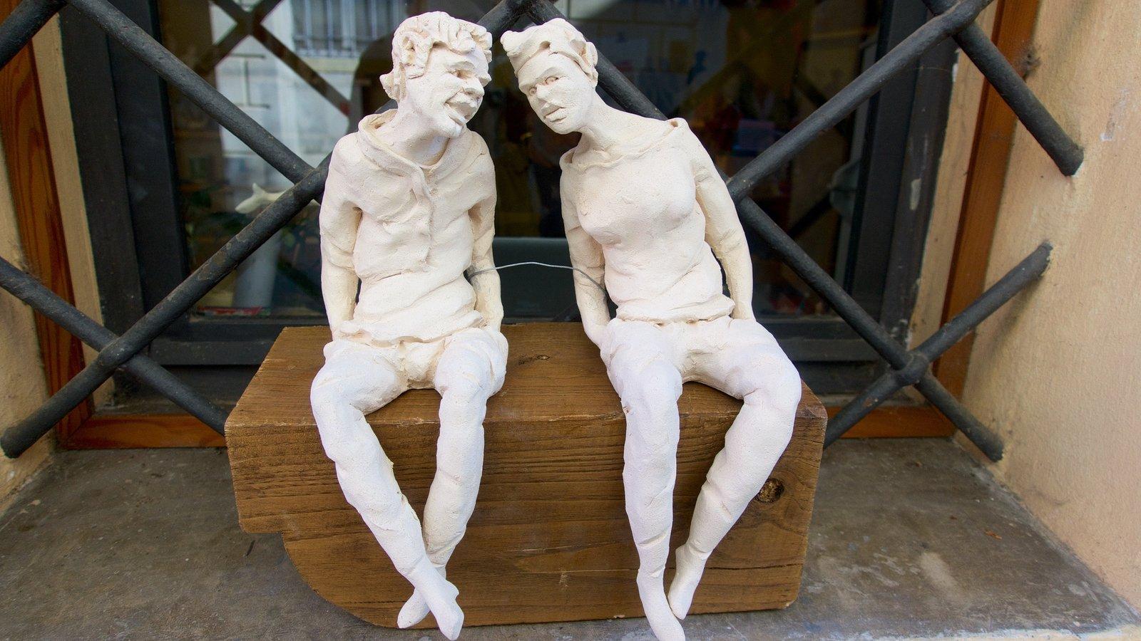 Castiglione del Lago which includes a statue or sculpture
