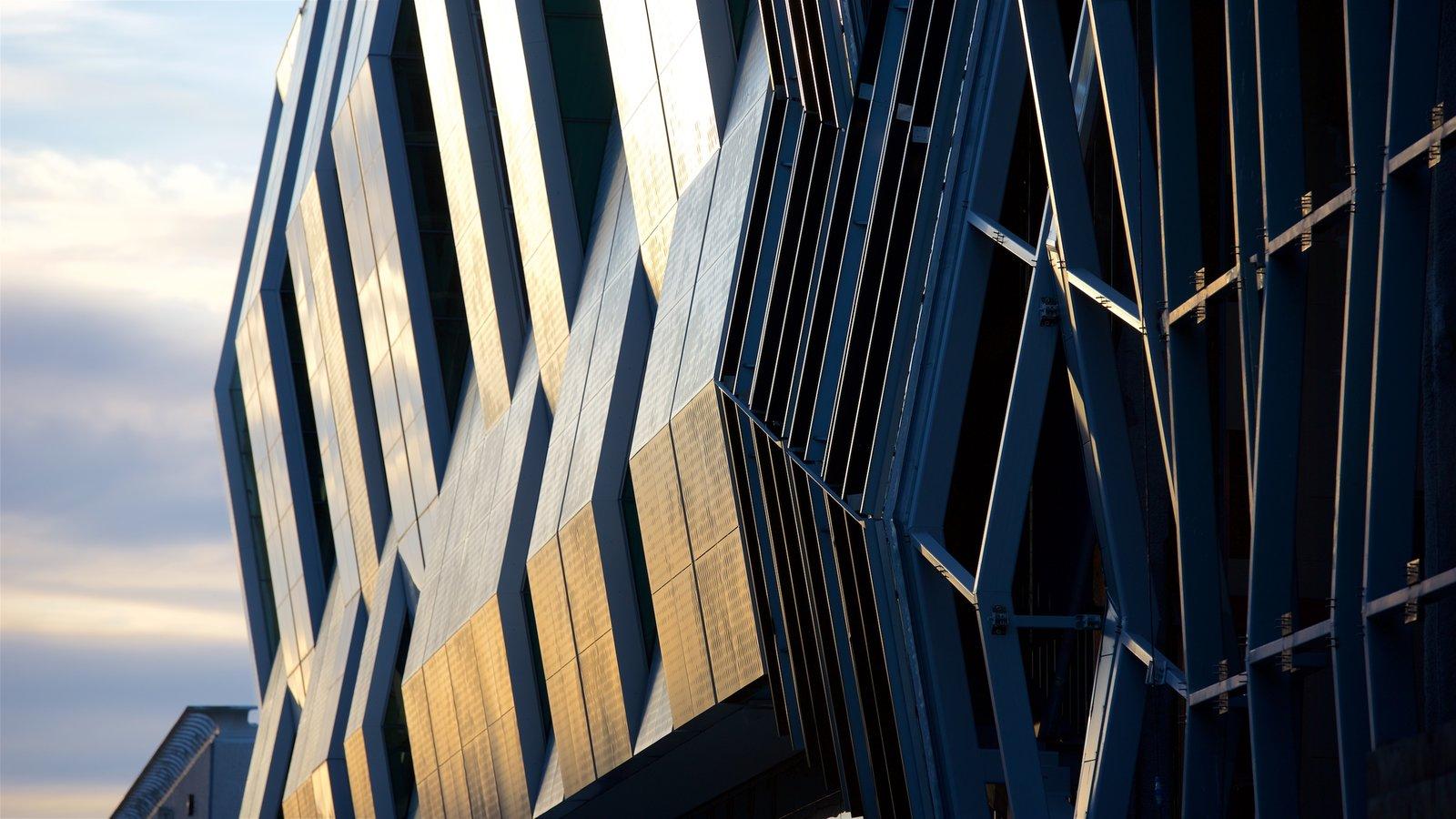 Sacramento que inclui arquitetura moderna