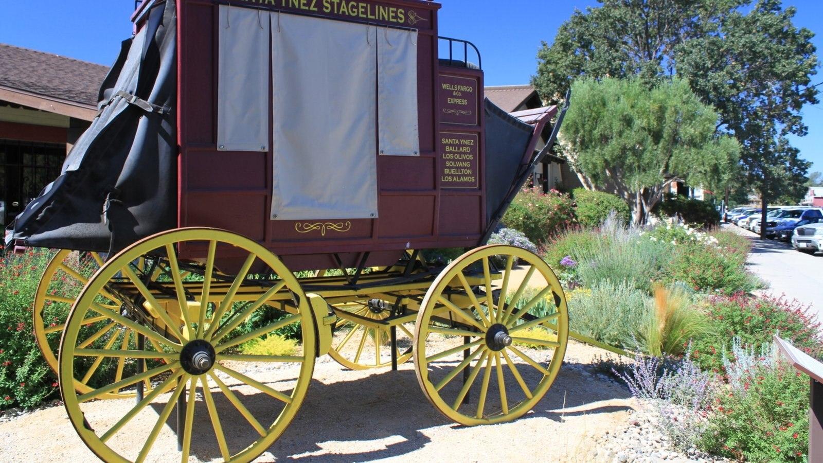 Santa Ynez Valley caracterizando sinalização e elementos de patrimônio