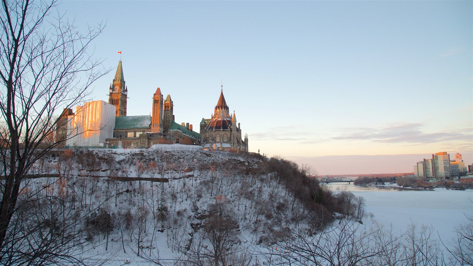 Parliament Hill showing snow and chateau or palace