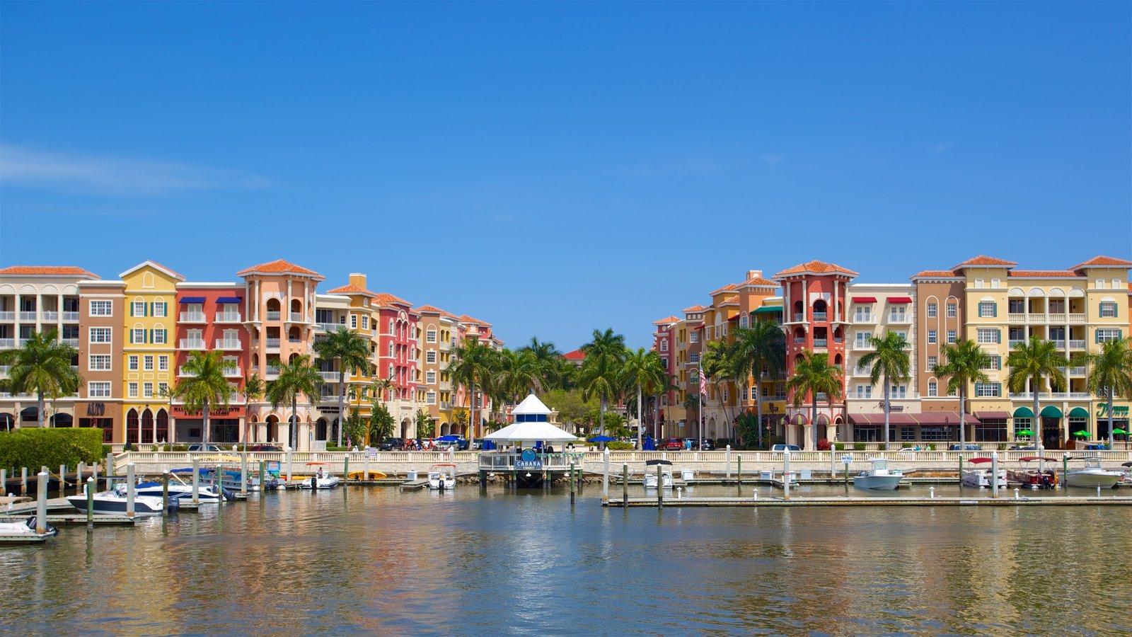 Sul da Flórida mostrando uma marina, uma cidade litorânea e uma baía ou porto