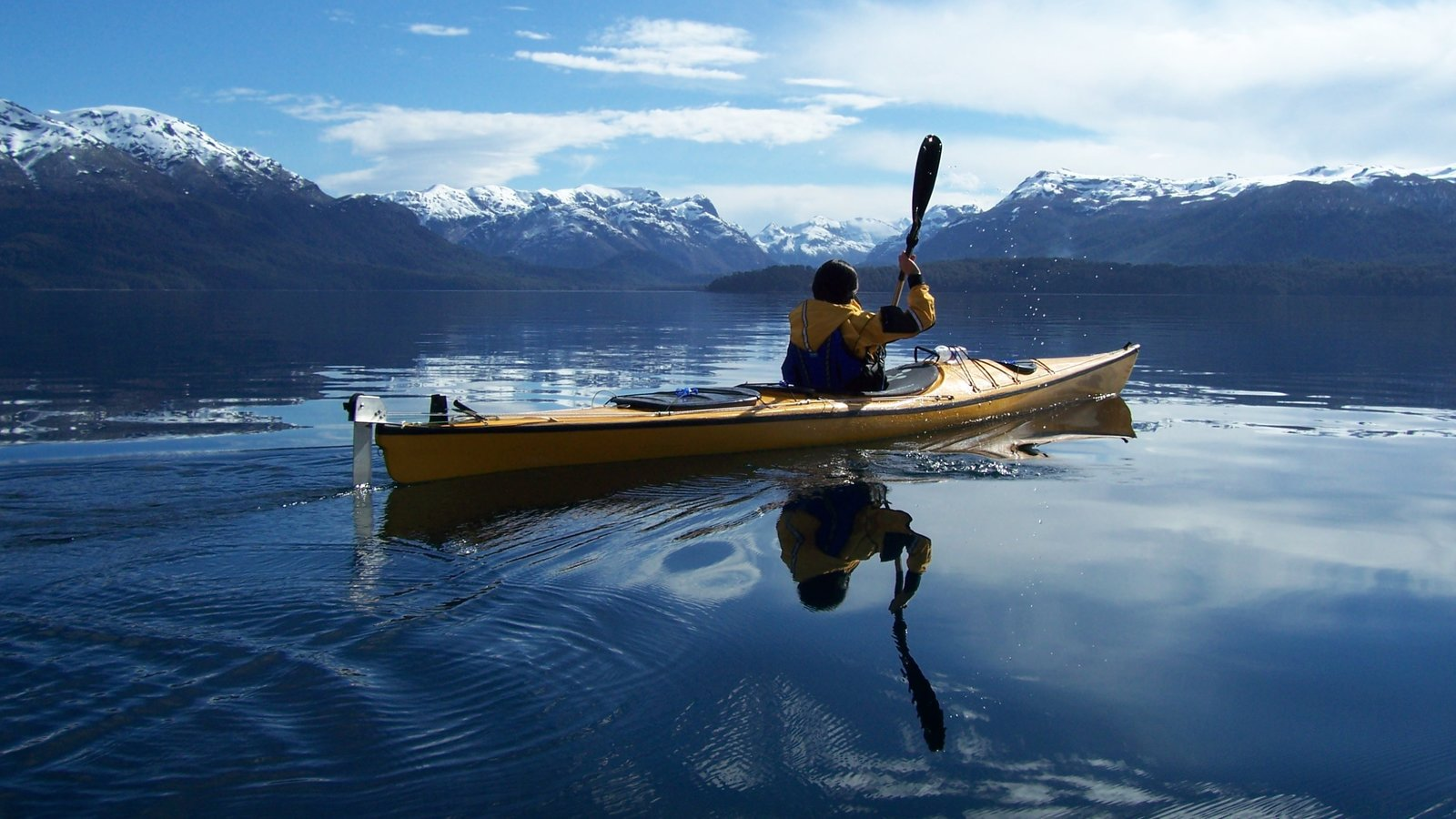 Patagonia Region showing mountains, landscape views and kayaking or canoeing