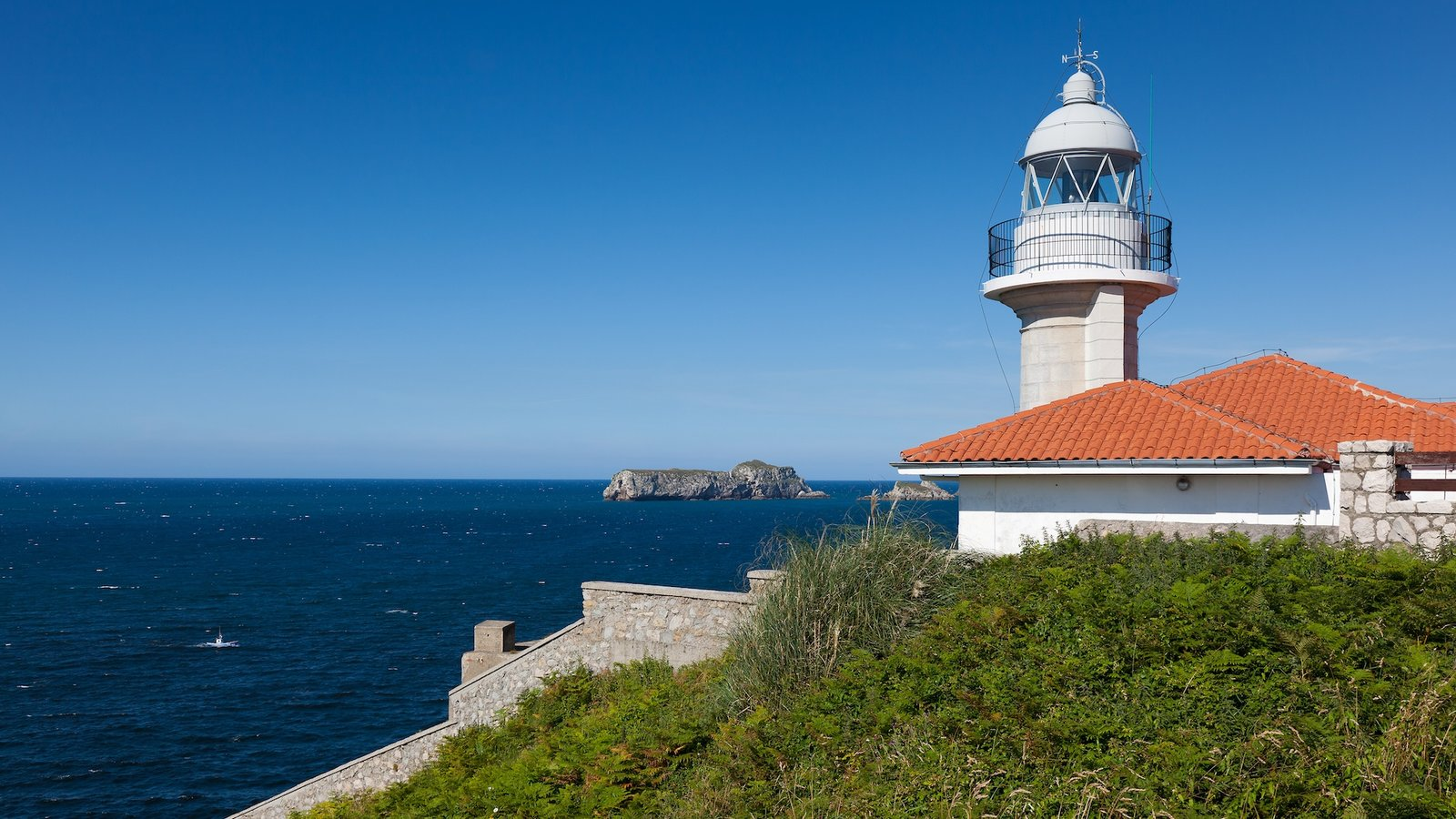 Lighthouse pictures view images of spain for Cantabria homes