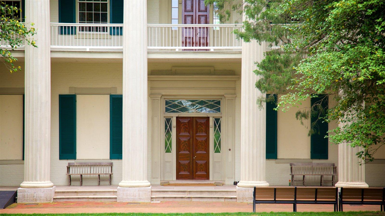 The Hermitage que incluye elementos del patrimonio y una casa