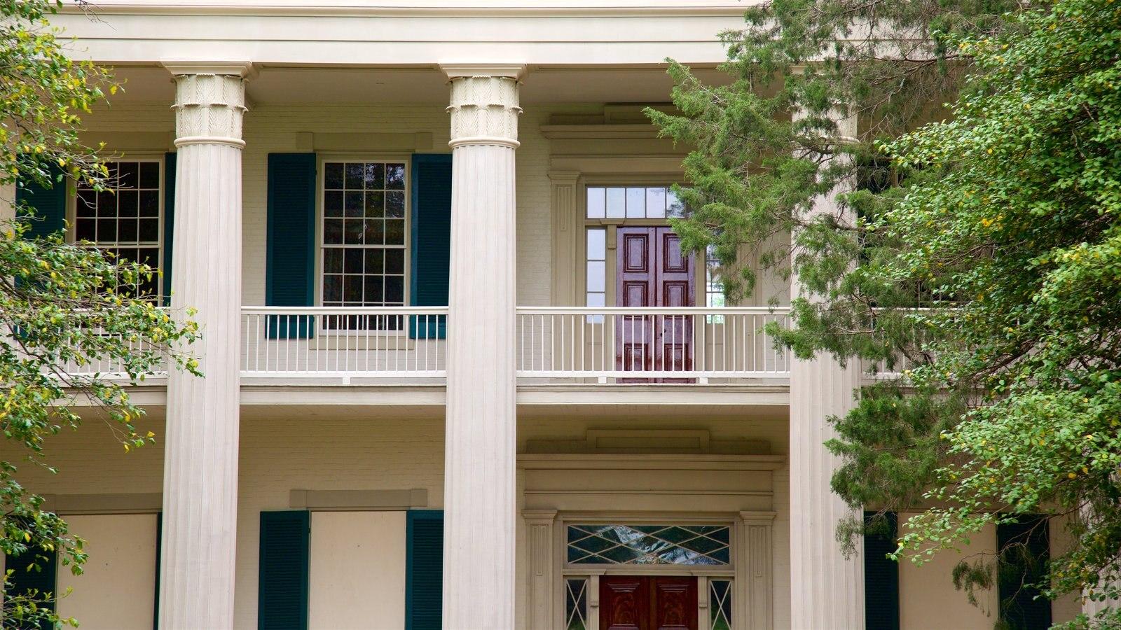 The Hermitage que incluye una casa y elementos del patrimonio