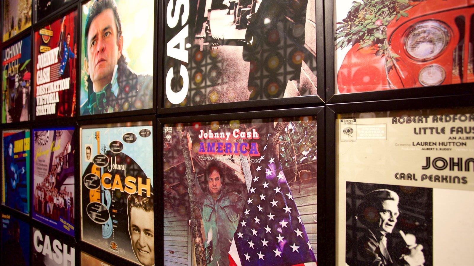 Museo Johnny Cash ofreciendo vistas interiores y música