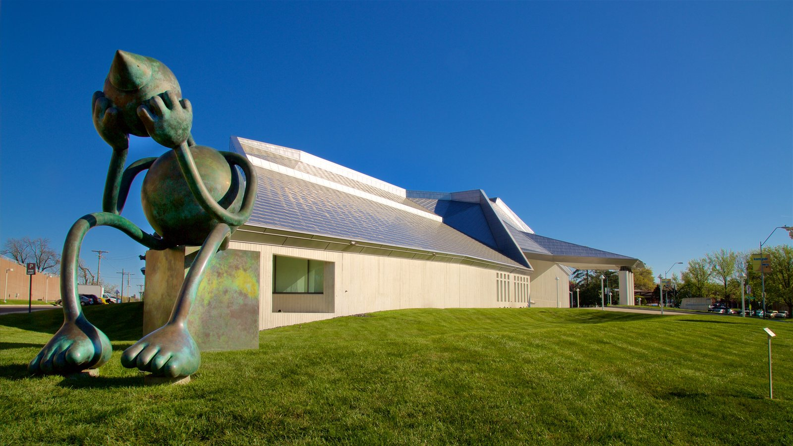 kemper museum of contemporary art which includes modern architecture and a statue or sculpture - Modern Architecture Museum