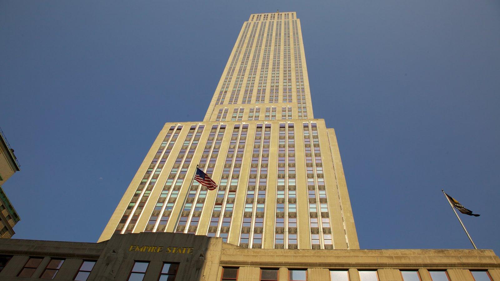 Edificio Empire State que incluye un edificio de gran altura, dfc y una ciudad