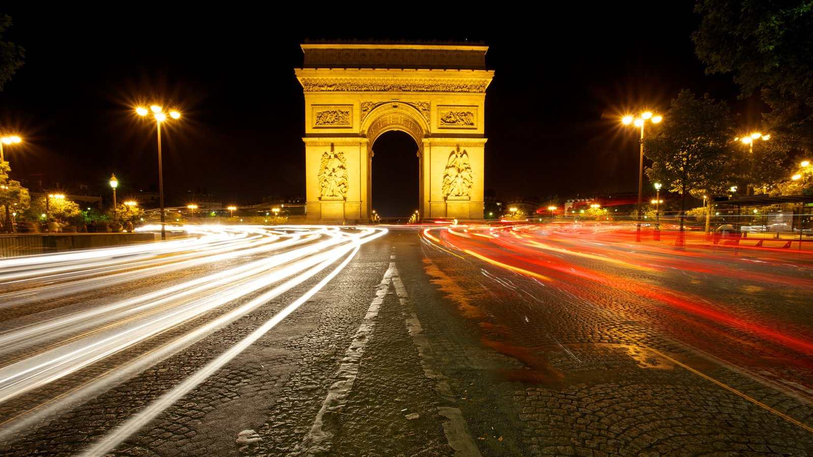 Arc de Triomphe featuring street scenes, heritage architecture and night scenes