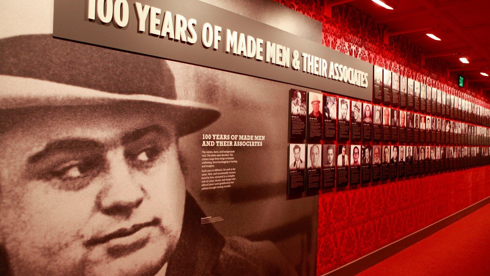 Museo de la Mafia ofreciendo vistas interiores