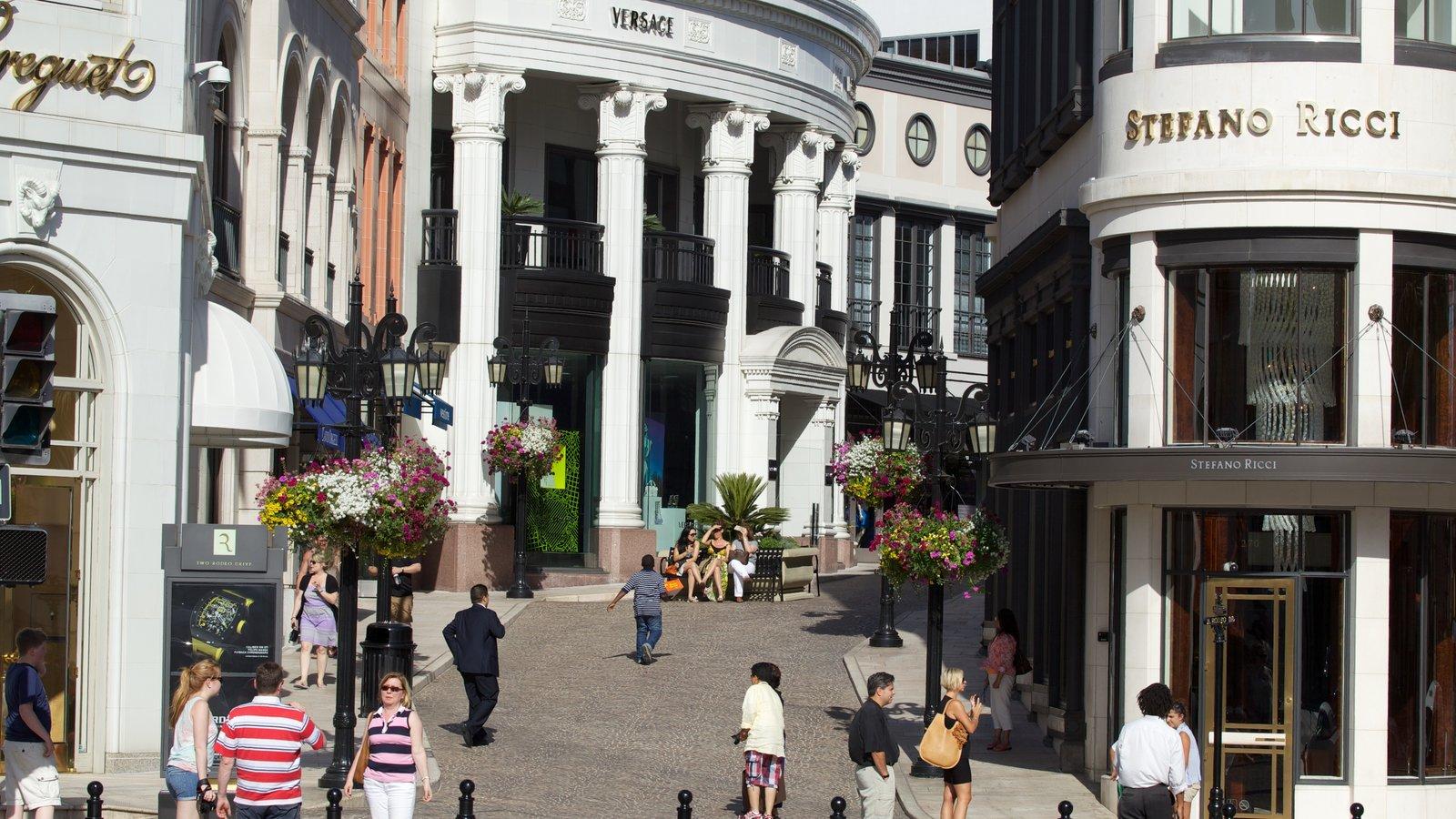 Rodeo Drive caracterizando compras, cenas de rua e uma cidade
