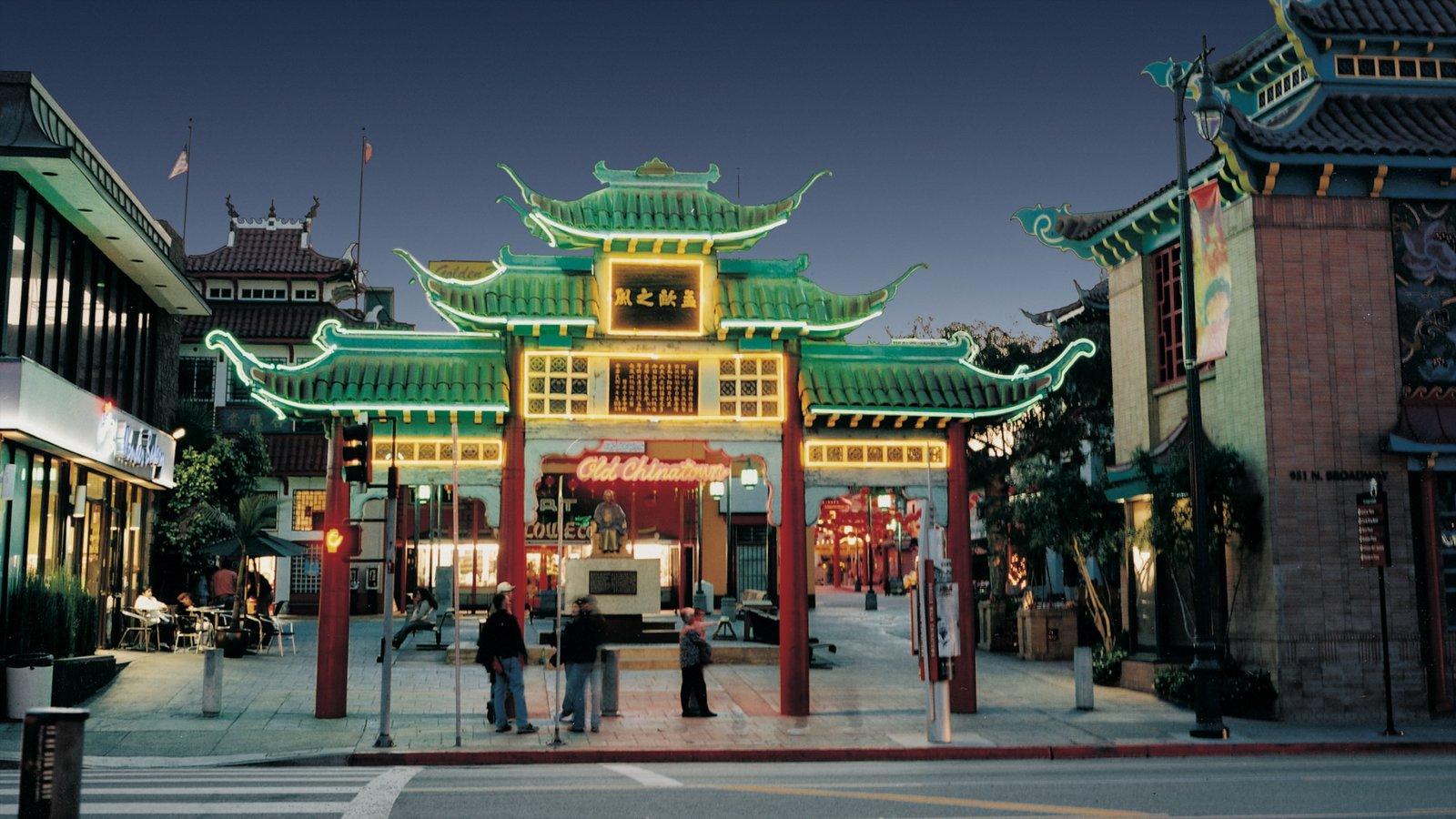 Centro de Los Ángeles mostrando escenas urbanas, una ciudad y un templo o lugar de culto