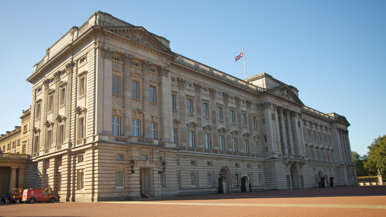 buckingham personals Buckingham palace finally became the principal royal residence in 1837, on the accession of queen victoria, who was the first monarch to reside there her predecessor william iv had died before its completion.