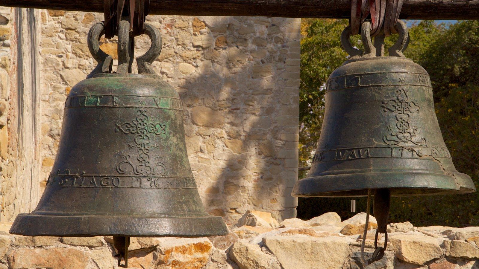 Mission San Juan Capistrano ofreciendo aspectos religiosos