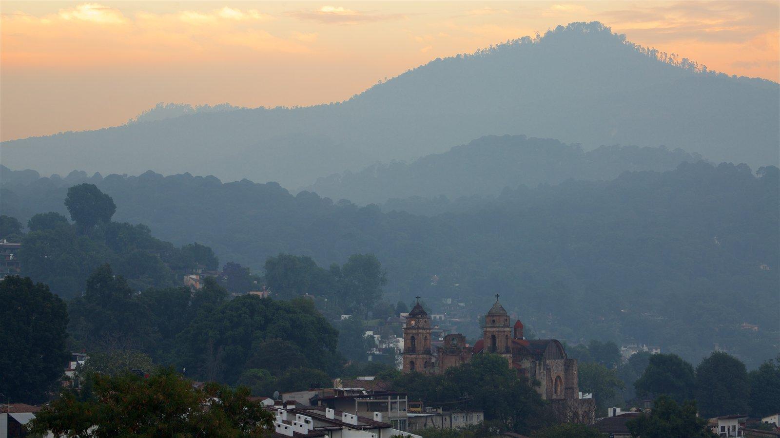 Toluca que incluye escenas tranquilas, vistas de paisajes y patrimonio de arquitectura