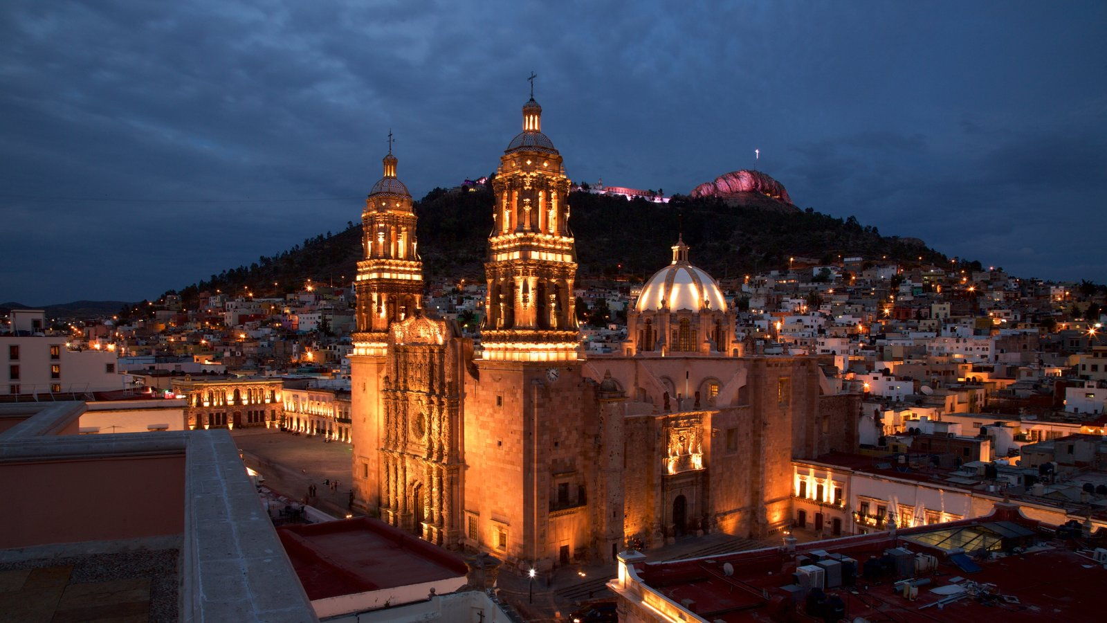 Zacatecas showing a city, landscape views and heritage architecture