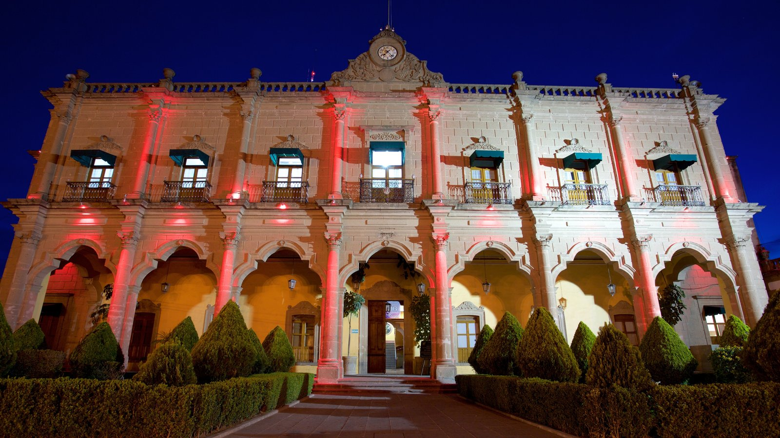 Huichapan caracterizando cenas noturnas e arquitetura de patrimônio