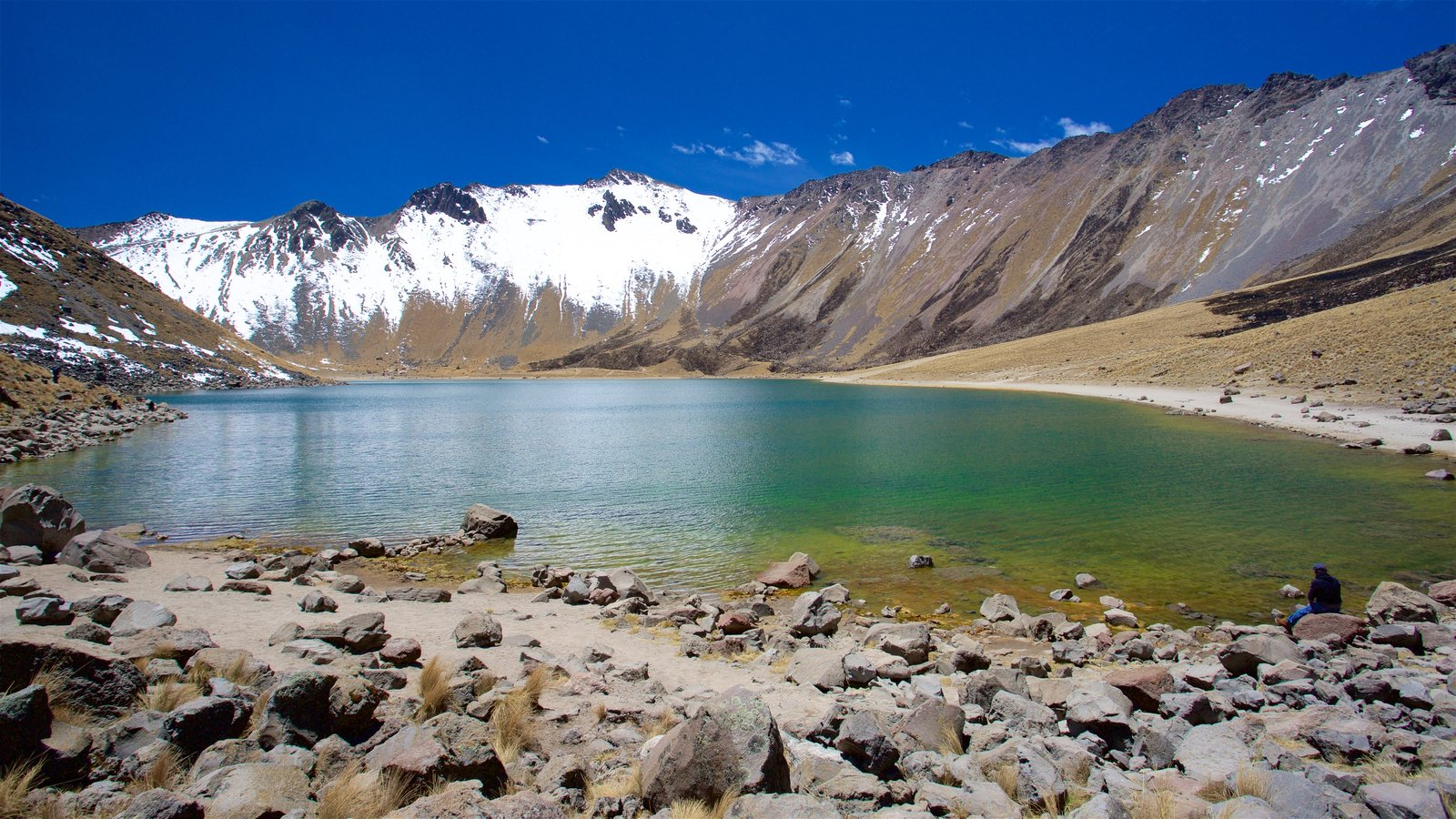 Nevado de Toluca National Park showing a lake or waterhole, mountains and snow
