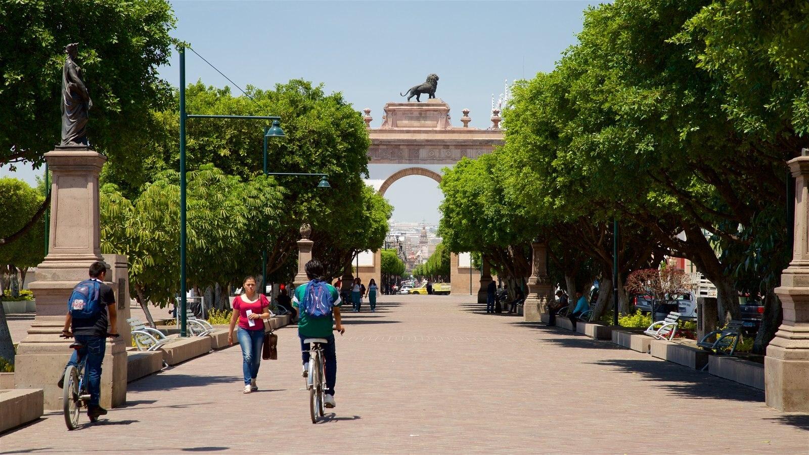 Fotos de Histórico: Ver imágenes de Arco Triunfal Calzada de los ...