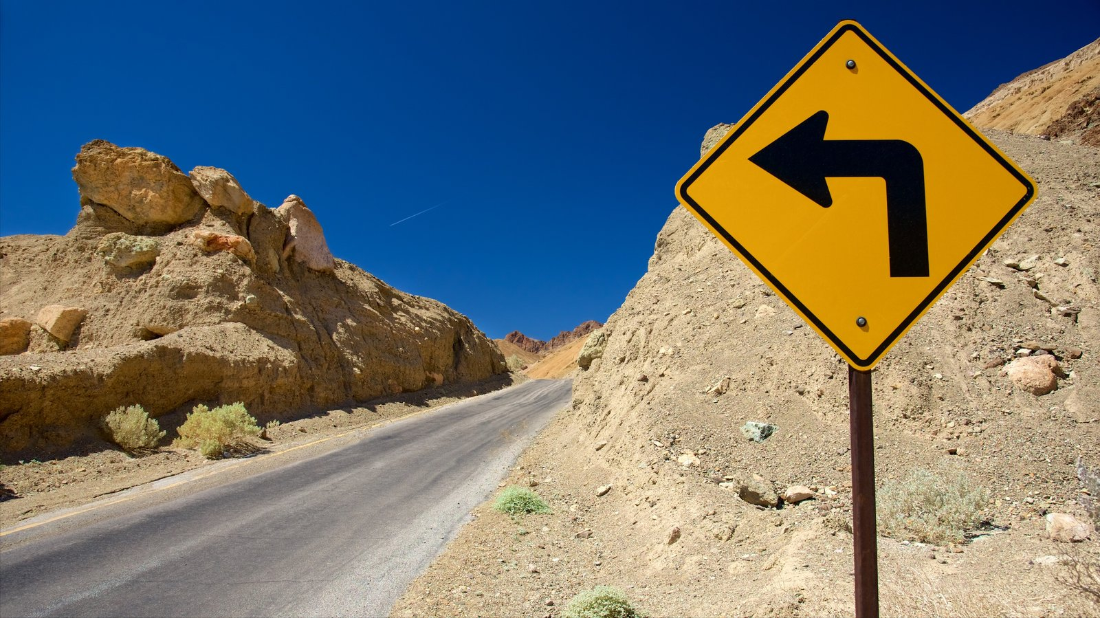 Vale da Morte caracterizando sinalização e cenas tranquilas
