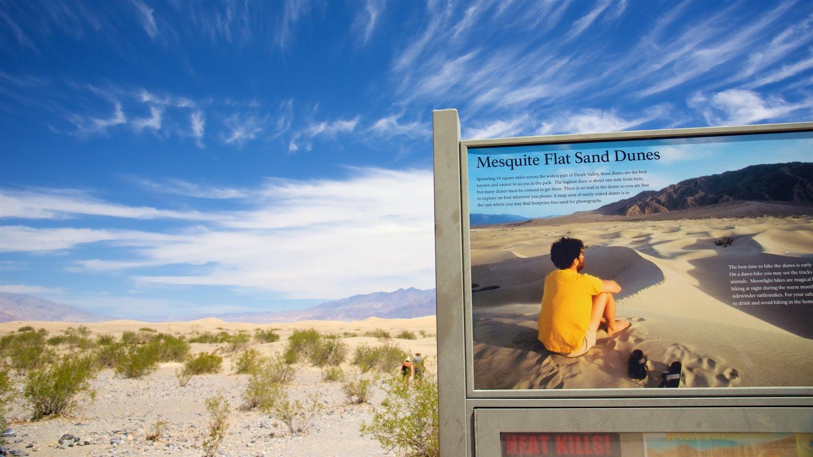 Vale da Morte caracterizando paisagens do deserto e sinalização