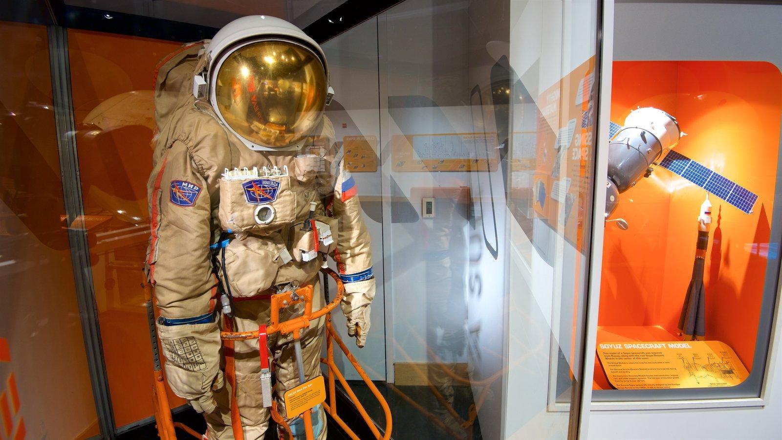Chabot Space and Science Center mostrando vistas internas