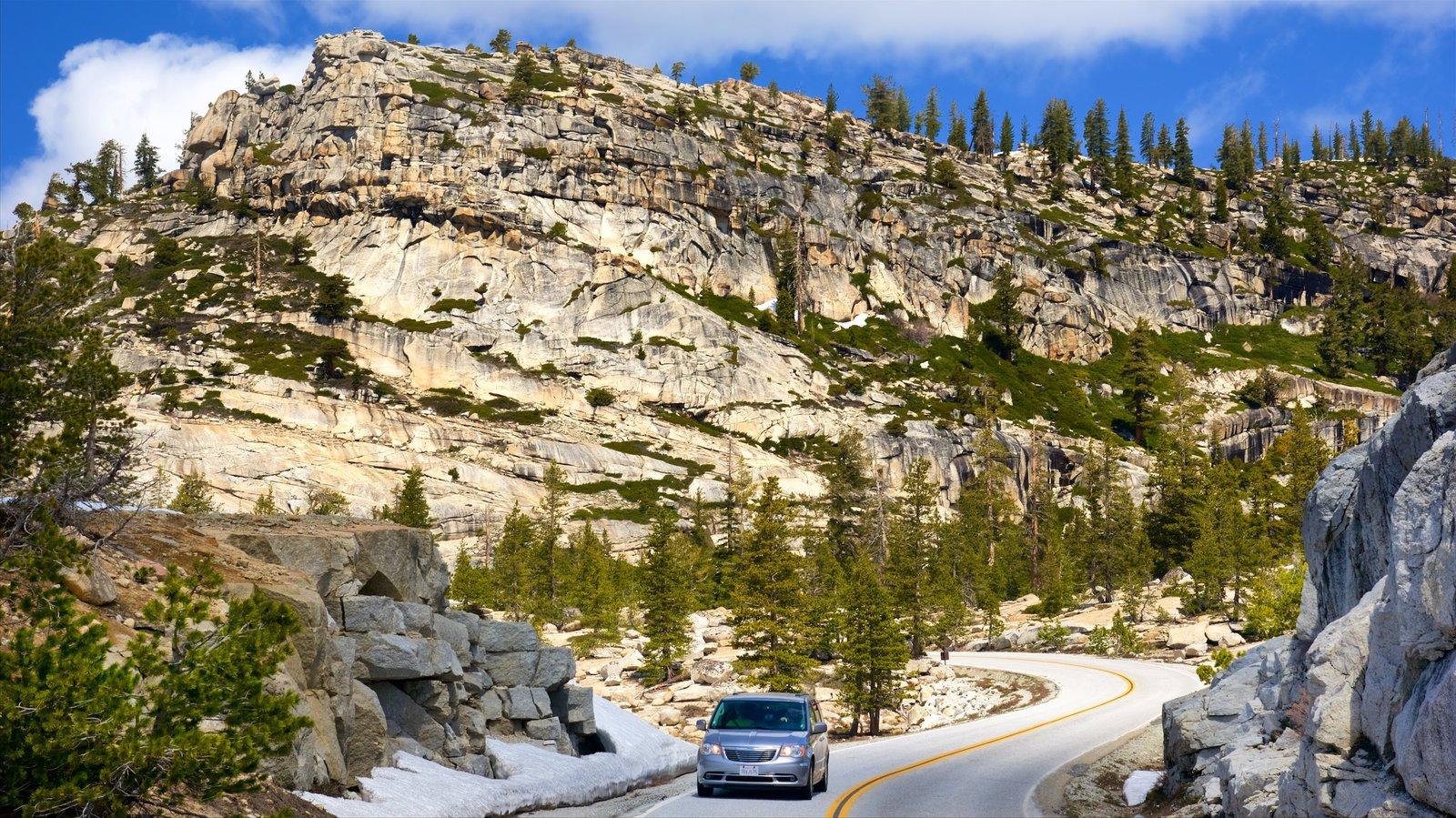 Olmsted Point que inclui montanhas, passeios e cenas tranquilas